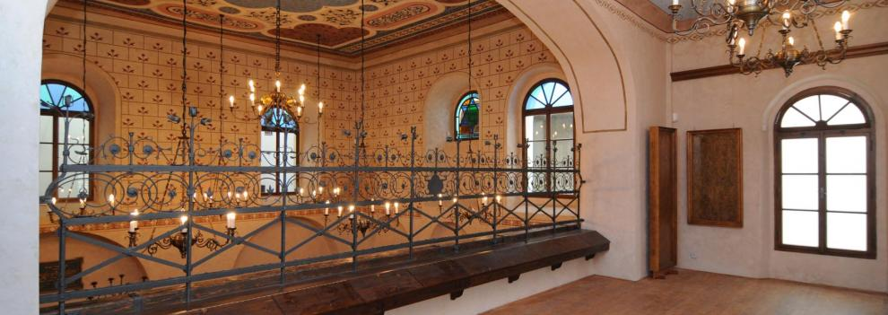Židovská synagoga v Turnově - ženská galerie